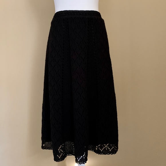 LOFT Dresses & Skirts - NWT Ann Taylor LOFT black crocheted skirt, Size 6